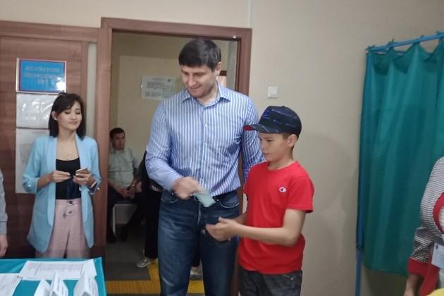 Ислам Байрамуков принял участие в голосовании на президентских выборах