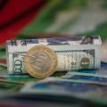 За месяц тенге к доллару ослаб на 0,5%