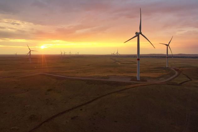 Самрук-Энерго строит ветровую станцию в энергодефицитном регионе