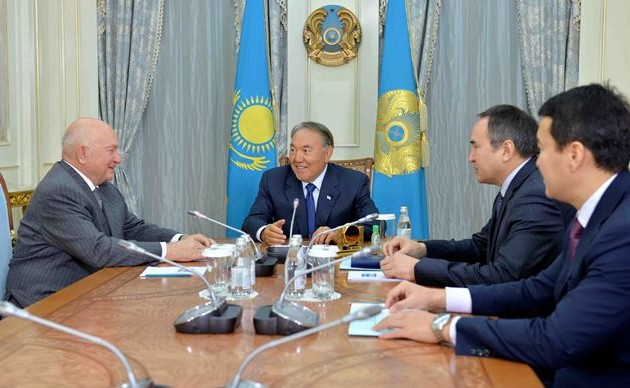 Нурсултан Назарбаев встретился с экс-мэром Москвы Юрием Лужковым