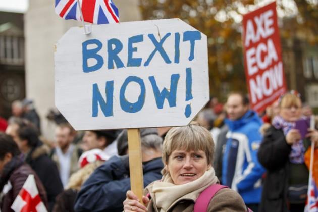 Почти 400тысяч британцев подписали петицию заBrexit