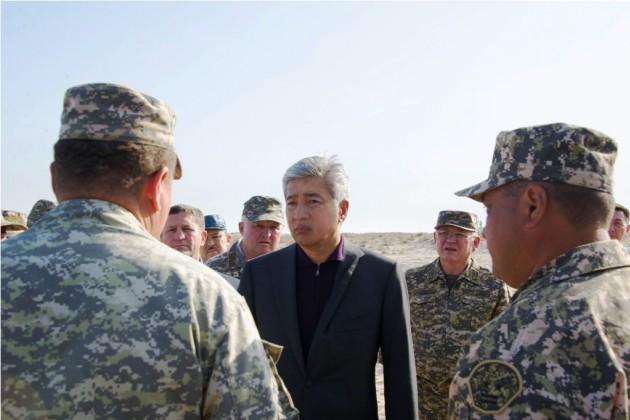 Министр обороны РК прибыл в Актау по факту происшествия