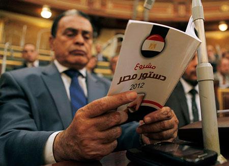 В Египте распустят верхнюю палату парламента