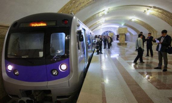 Первая реклама в метро появится в феврале 2013 года
