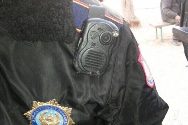 Полицейские обязаны носить видеожетоны
