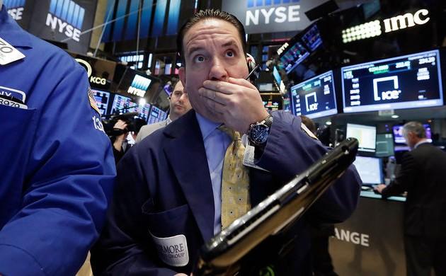 Индекс Dow Jones показал рекордное падение задень вистории