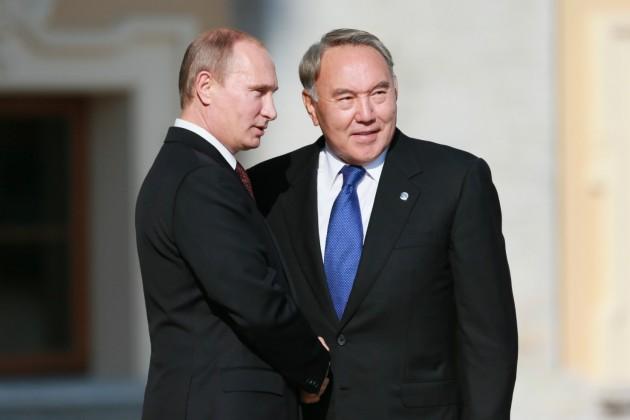 Владимир Путин высоко оценил успехи Казахстана