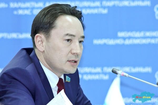 Аким Павлодарской области представил нового заместителя