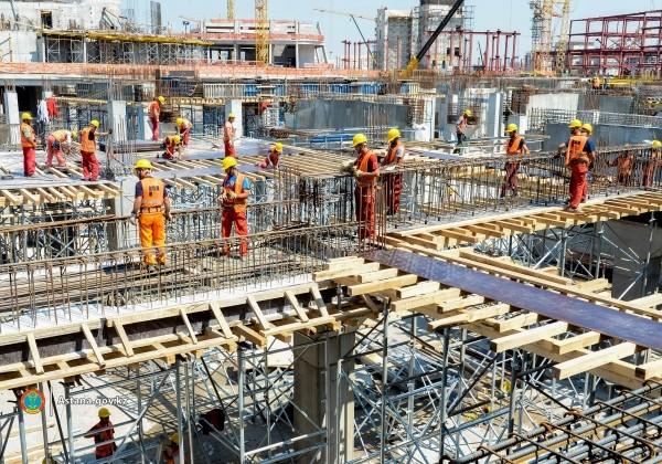 В Астане выдано около 9 тысяч разрешений для иностранных работников