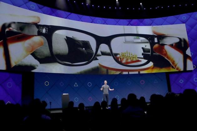 Facebook и Ray-Ban будут разрабатывать «умные» очки
