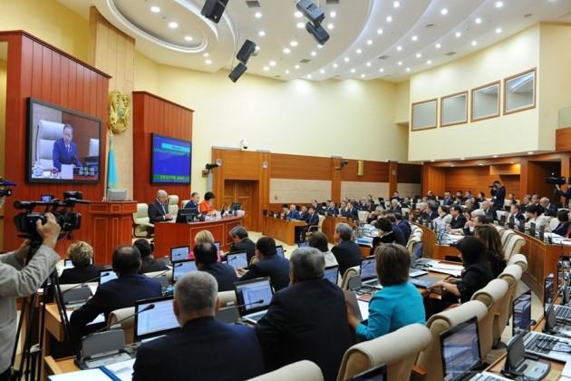 Мажилис проголосовал засложение полномочий Мухтара Тиникеева