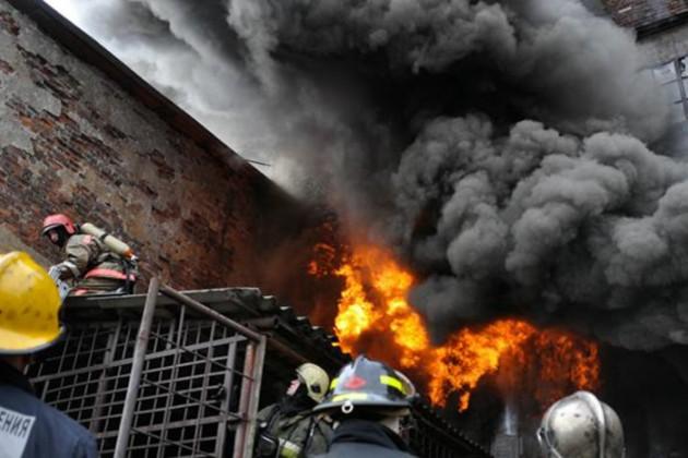 Пожар на территории амбара в Актау ликвидирован