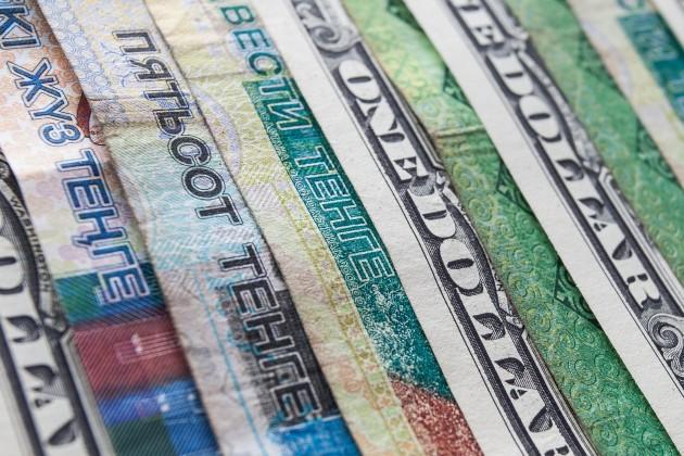 Тенге пытается укрепиться кдоллару