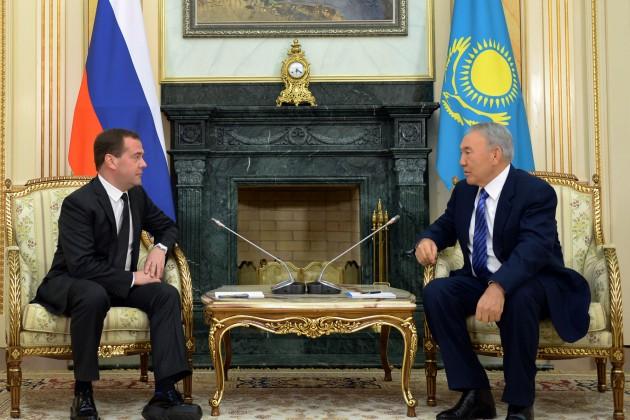 Медведев: Казахстан и Россия - очень близкие партнеры
