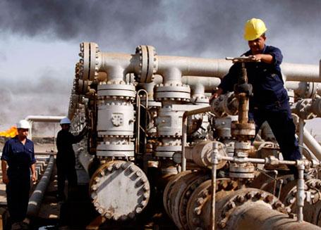 Нефть дешевеет на данных по запасам в США