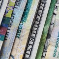 Доллар продолжает наступать на тенге