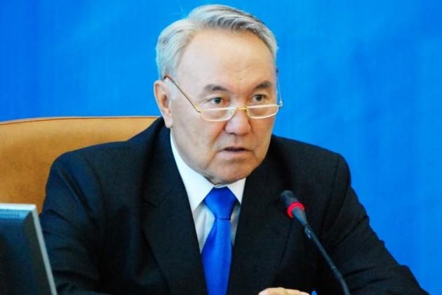 Нурсултан Назарбаев сложил полномочия Президента
