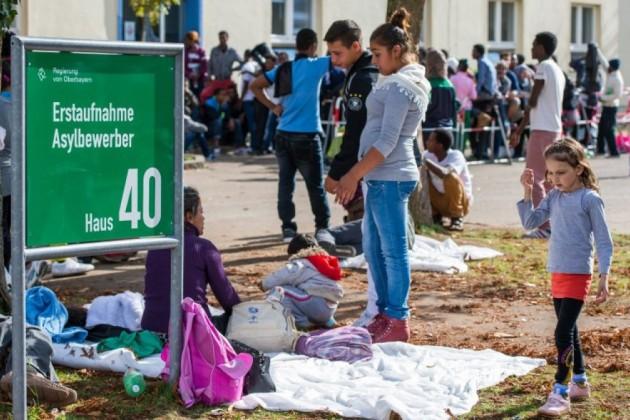 Австрия и Германия согласились пропустить беженцев на свою территорию