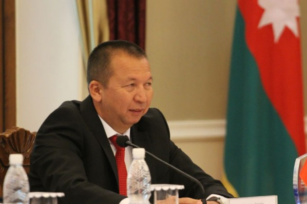 Против главы Минобороны Кыргызстана возбуждено уголовное дело