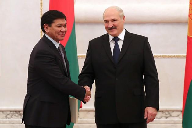Александр Лукашенко предложил активизировать переговоры по поставкам нефти из РК