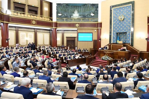 Парламент одобрил отчет Правительства об исполнении бюджета