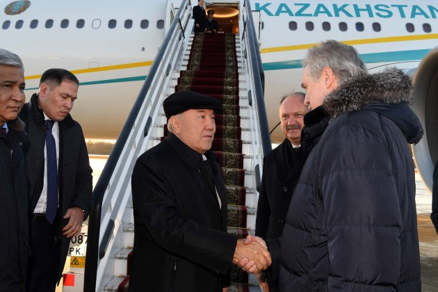 Нурсултан Назарбаев прибыл вСанкт-Петербург