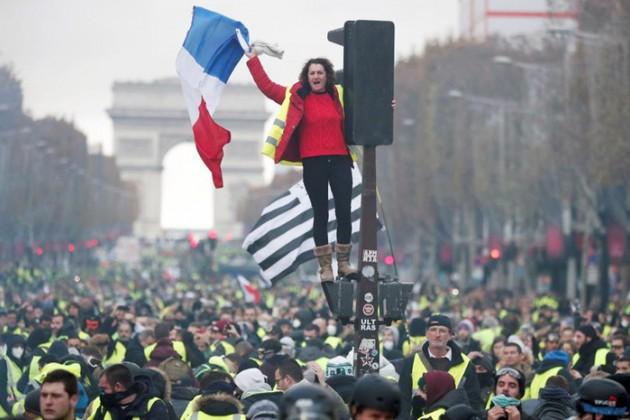 Банк Франции в2раза понизил оценку ВВП страны
