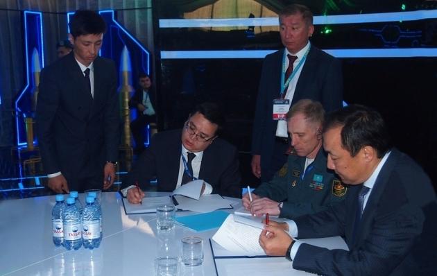 На KADEX-2016 подписаны соглашения с партнерами из Китая