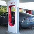 Tesla запустила станцию экспресс-зарядки электрокаров за 15 минут