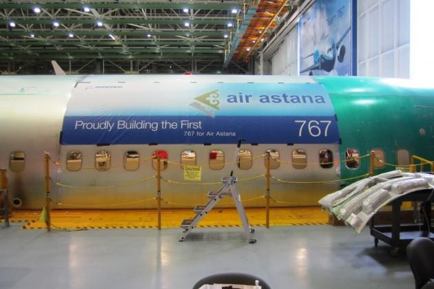 Завершается сборка первого собственного Boeing авиакомпании Эйр Астана