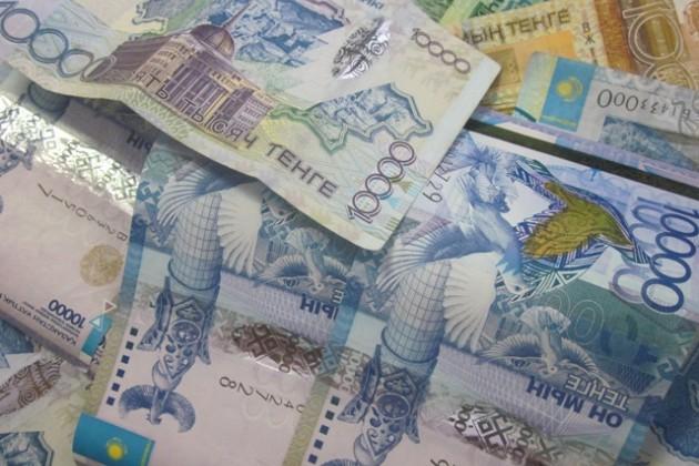 Растет зависимость банков РК от денег населения