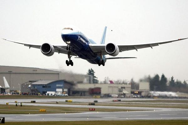 Авиакомпаниям США запретили платить за выбросы