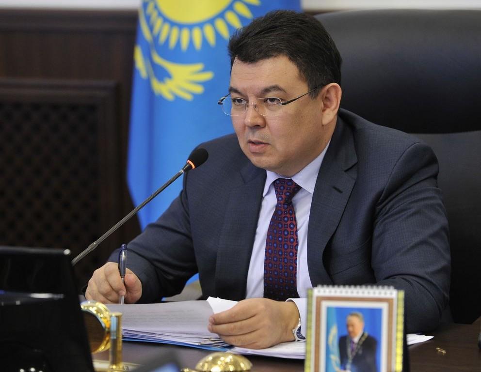 Бозумбаев озвучил «осторожный» прогноз нацену нефти