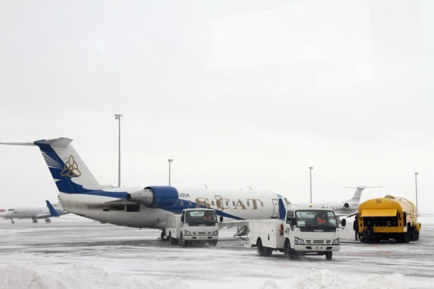 За неделю в Алматы и Астане задержано 194 авиарейса