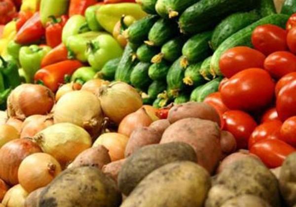 В феврале больше всего подорожали овощи и фрукты