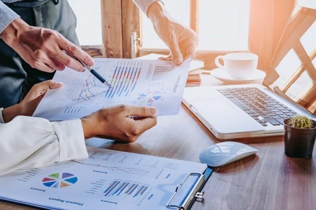 Столичные компании минимизируют затраты на консалтинг