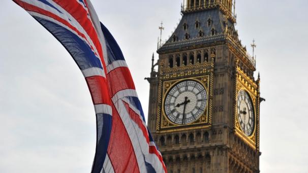 Безработица в Британии упала до минимума с 2005 года