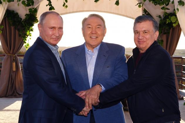 Как президенты соседних стран отреагировали на решение Нурсултана Назарбаева