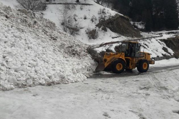 Вгорах Алматы сошла лавина