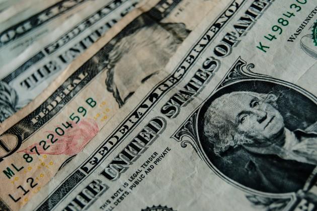 Доллар США сохранил статус самой популярной валюты мира