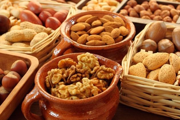 В РК значительно подорожали соки, консервированные овощи и орехи