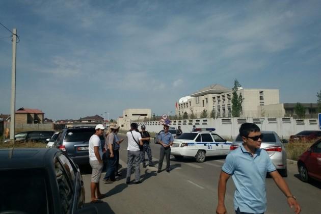 Террорист-смертник устроил взрыв в посольстве Китая в Кыргызстане