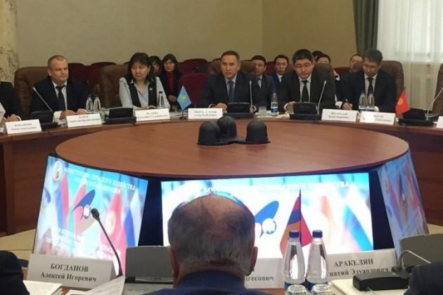 ГлаваРК пригласил германских инвесторов активно сотрудничать сМФЦА