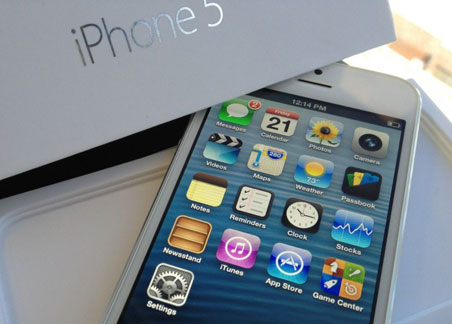 Apple снизила закупки комплектующих iPhone 5