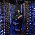 Apple построит дата-центры вАйове