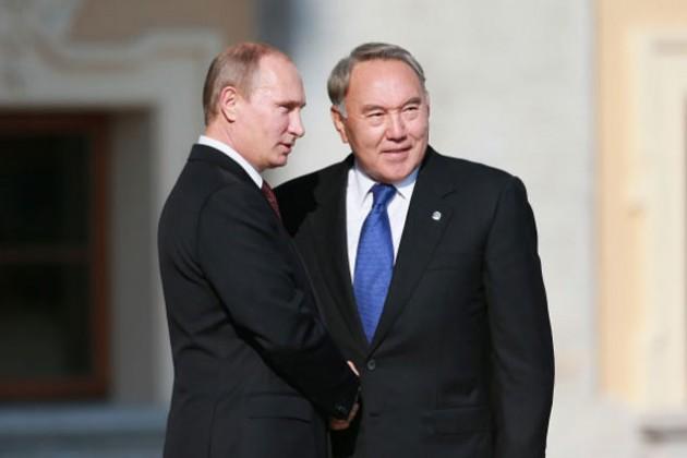 Президент РФ поздравил Нурсултана Назарбаева с победой на выборах