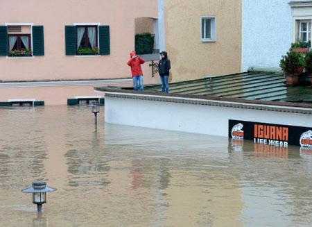 Наводнение в Европе унесло жизни 12 человек