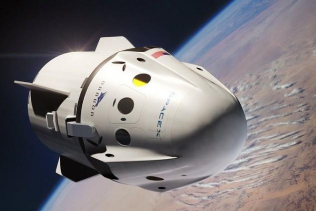 SpaceX продала билет своему первому частному пассажиру