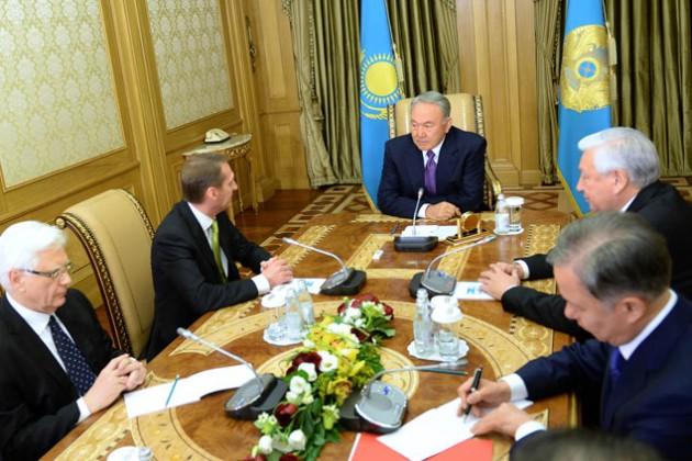 Президент РК встретился с председателем Госдумы России