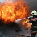 В Алматы горел строительный рынок